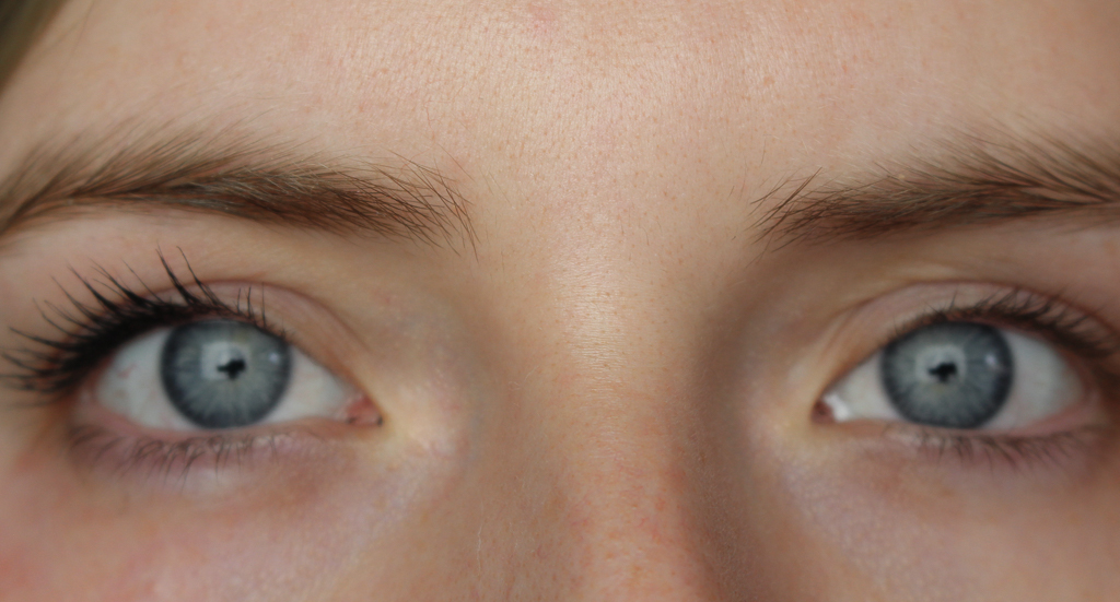 Essence all eyes on me